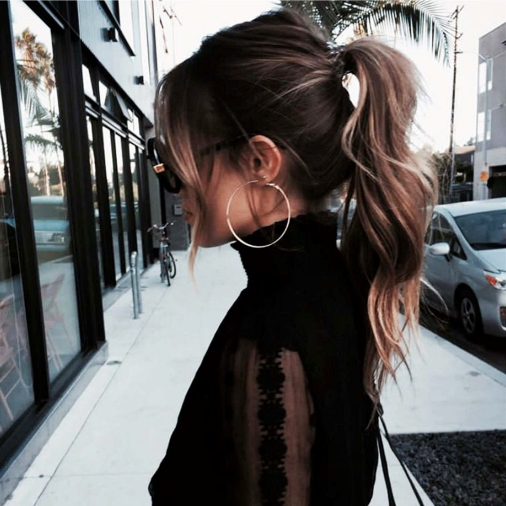 High messy ponytail hairstyle ideas