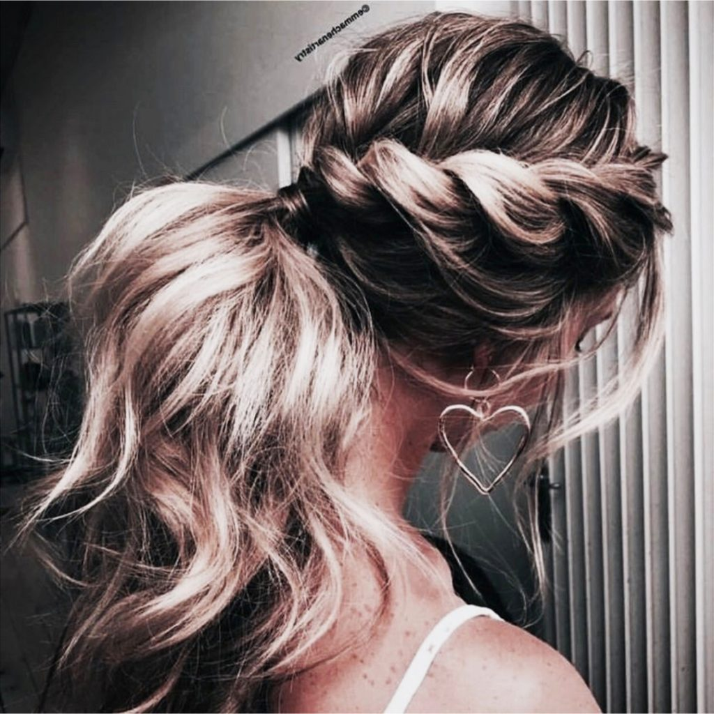 Love these ponytail hairstyles! This one with the twist braid is so pretty