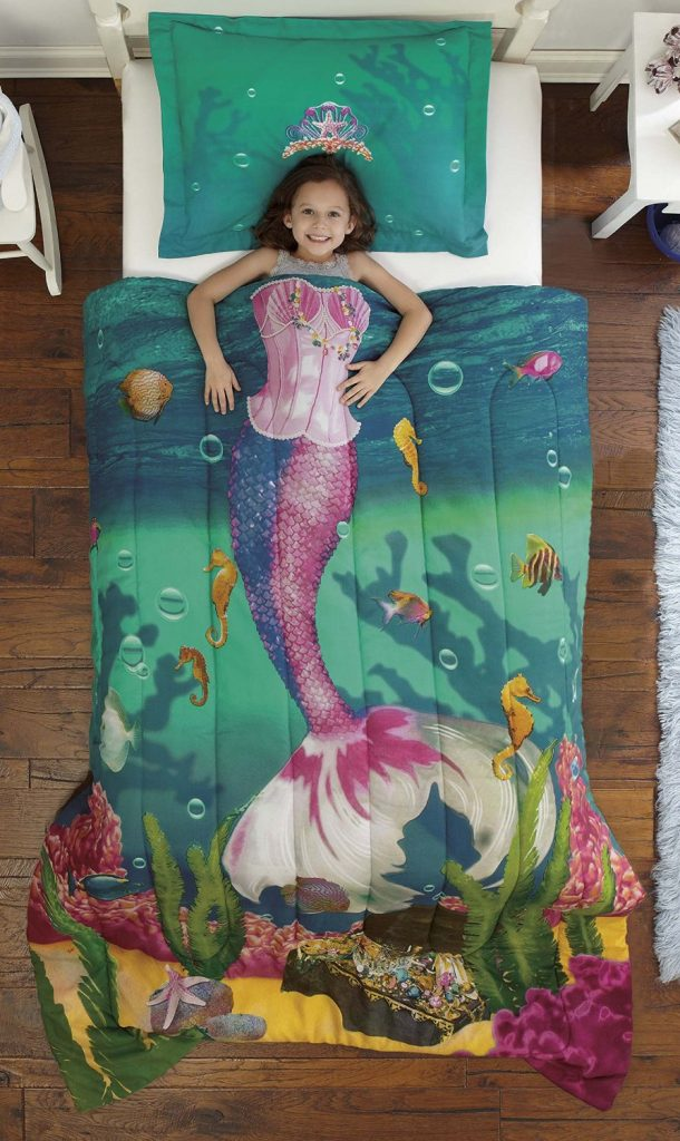 LOVE this! Mermaid bedding for a little girls bedroom - makes her look like a mermaid while she sleeps!