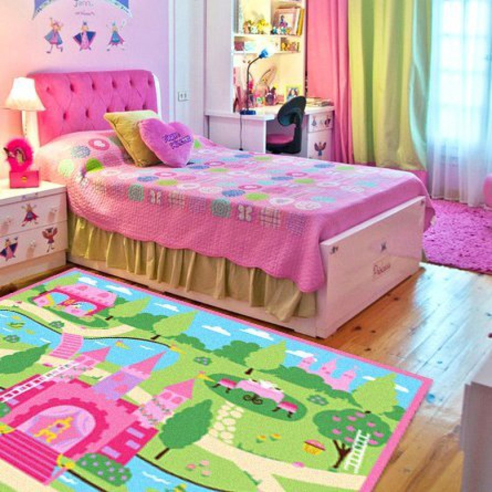I love this little girl's bedroom idea! Lots more super cute ideas on this page.