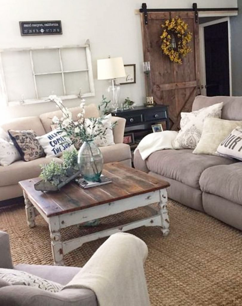 Modern Farmhouse Living Room Farmhouse living room ideas - #livingroomideas #farmhouselivingroomideas #farmhousedecor #livingroomdecor #diyhomedecor #homedecorideas #diyroomdecor #farmhousestyle #rustichomedecor
