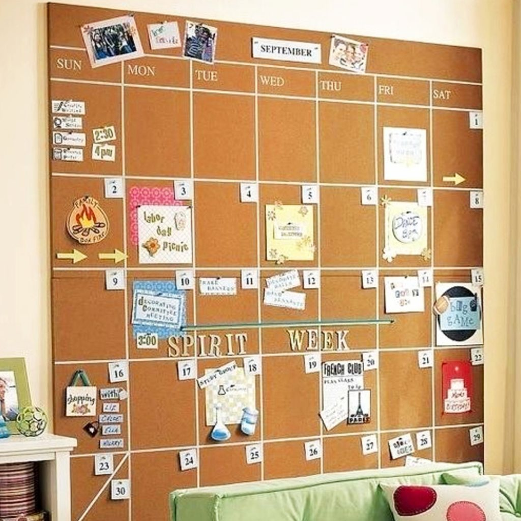 Best dorm room ideas and college dorm hacks on Pinterest #dormroomideas #gettingorganized #goals