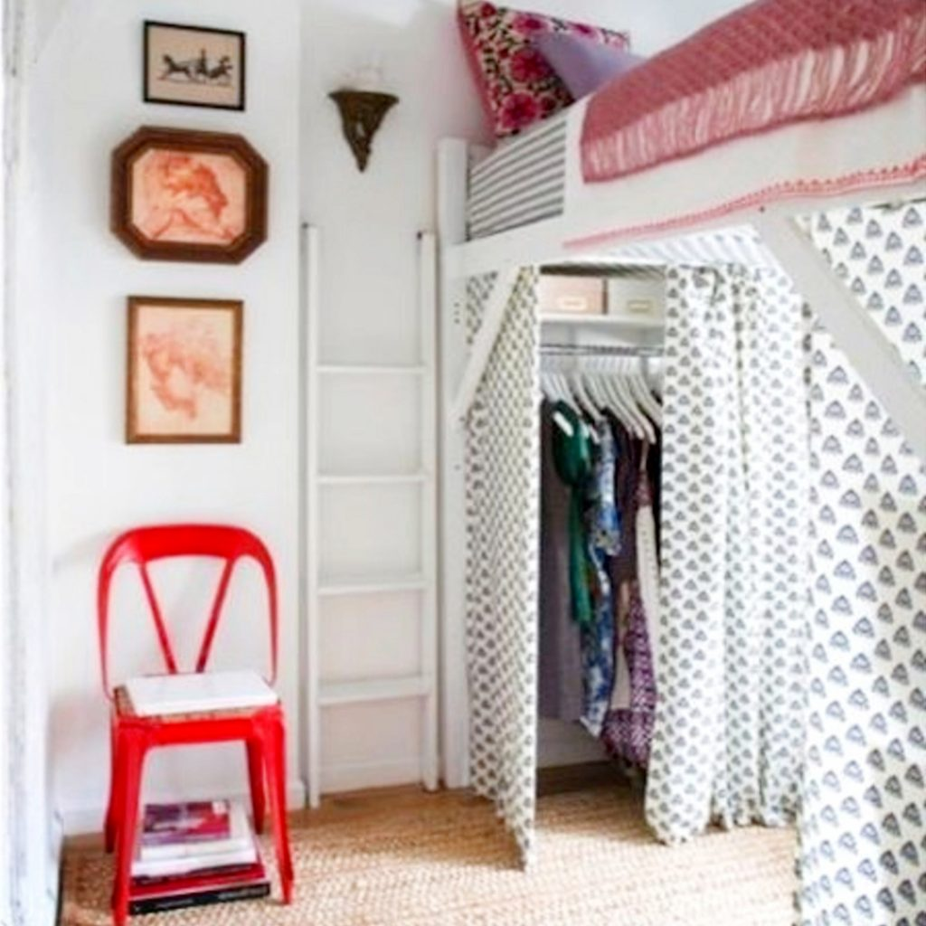 dorm room ideas - creative ways to set up your dorm room to maximize space #dormroomideas #gettingorganized #goals