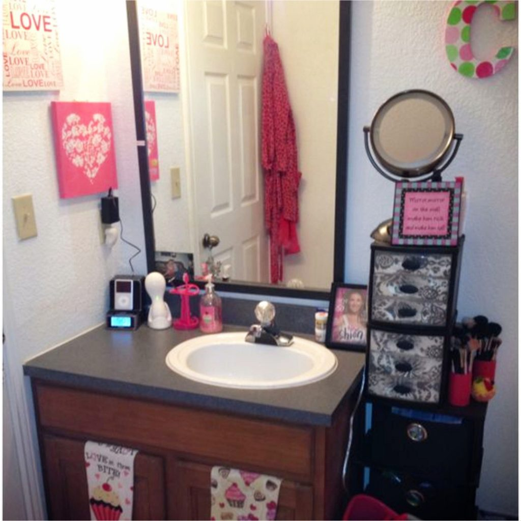 Dorm Bathroom Ideas  Hacks  DIY Dorm Bathroom Decor Ideas  Involvery